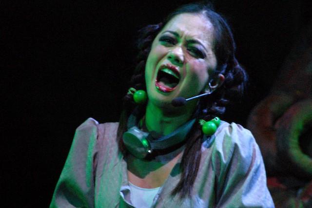 Cystine Carreon zingt alsof haar leven er van af hangt