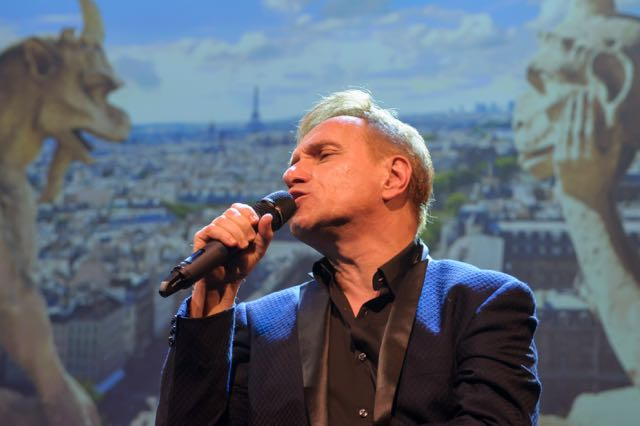 Vive la France, Phillipe Elan, Notre Dame