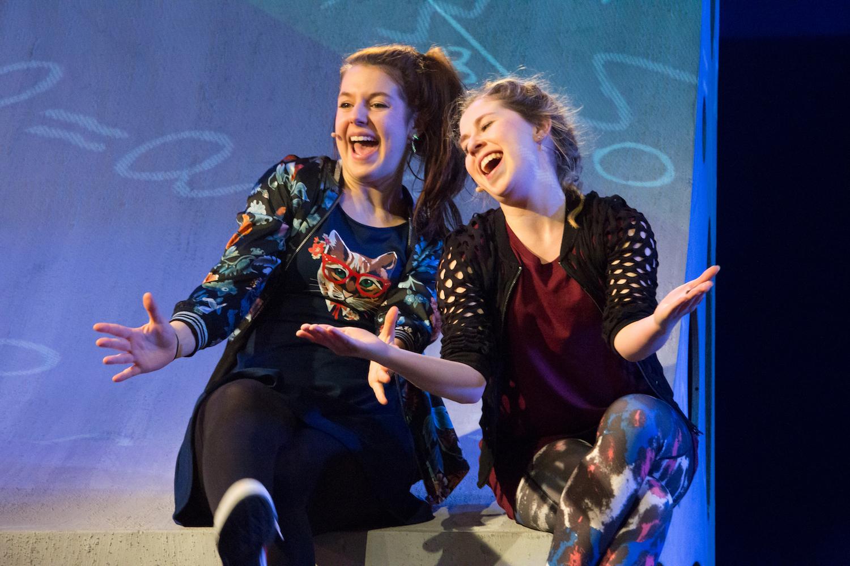 Rose-Anne van Elswijk en Ellis Broeksteeg vrolijk