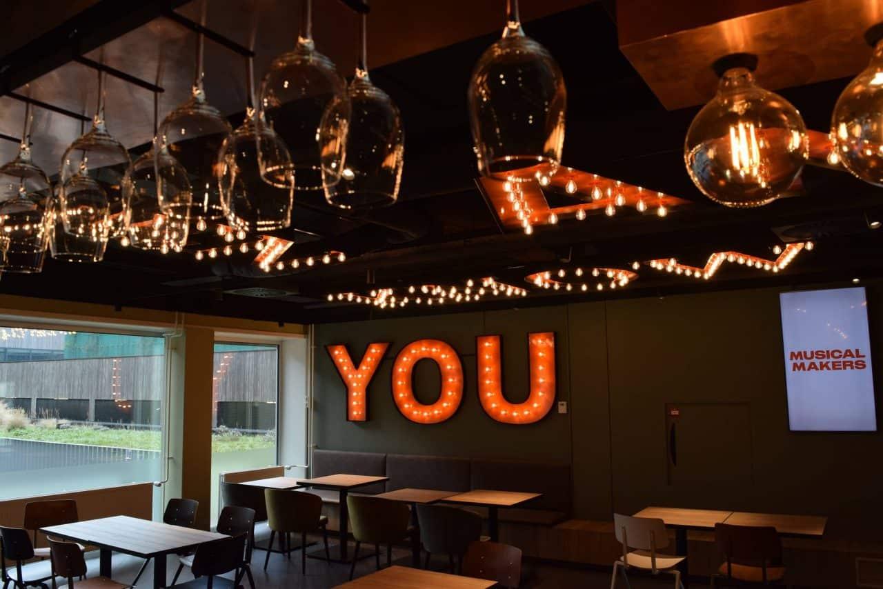 DeLaMar West cafe met tekst you